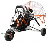 Doppelsitzertrike Xenit ohne Motor und Propeller
